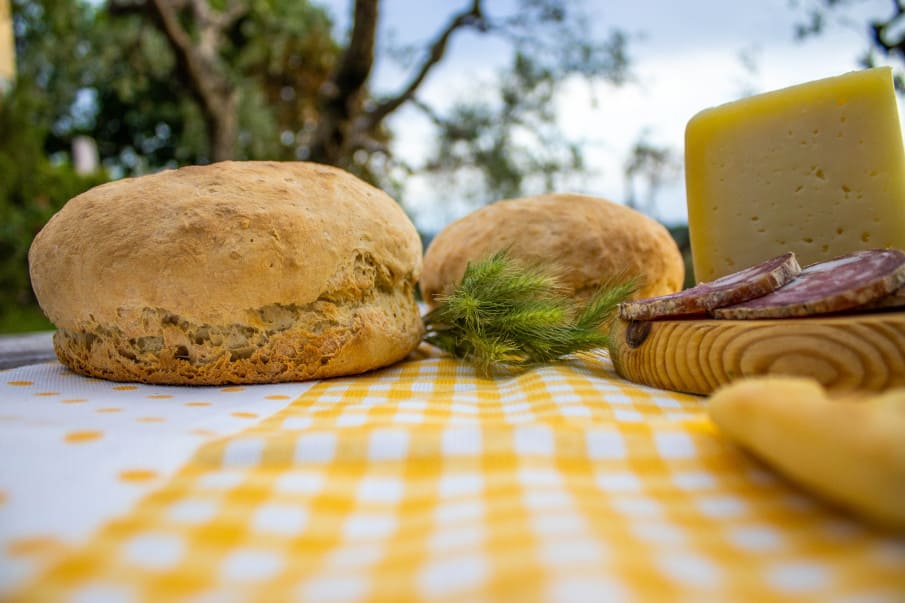 making traditional tuscan bread