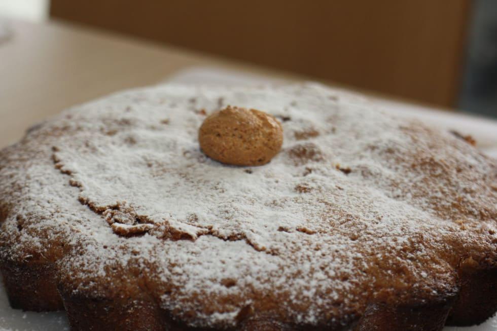 Apple and Amaretti Cake Recipe