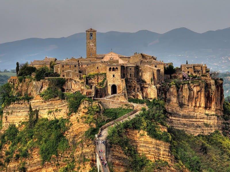 civita di bagnoregio village in italy